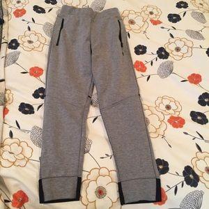 Champion C9 boys grey sweatpants, size 8-10
